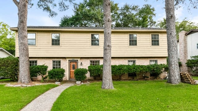 Photo 1 of 24 - 17711 Tall Cypress Dr, Spring, TX 77388