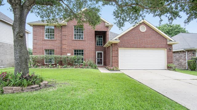 Photo 1 of 17 - 911 N Wellsford Dr, Pearland, TX 77584