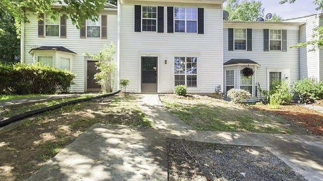 Photo 1 of 15 - 1009 Huntington Trce SE, Smyrna, GA 30082