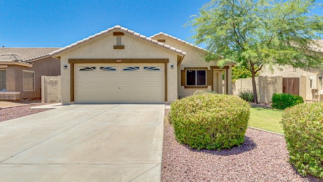Photo 1 of 27 - 3538 S Moccasin Trl, Gilbert, AZ 85297