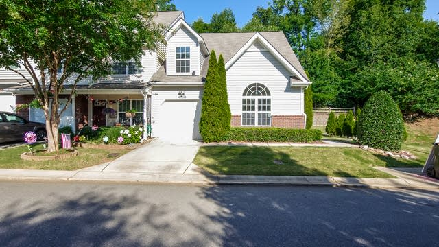 Photo 1 of 25 - 2532 Bardwell Ave NW, Concord, NC 28027