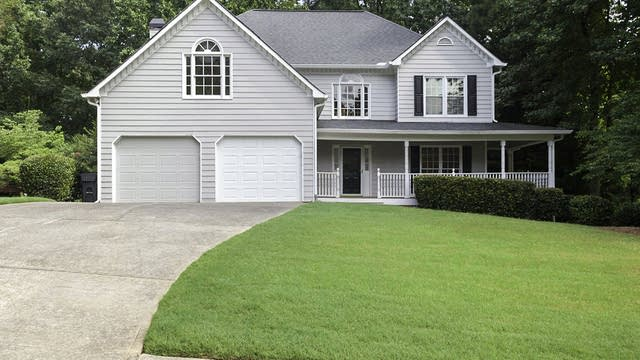 Photo 1 of 29 - 5738 Fairwood Dr NW, Acworth, GA 30101