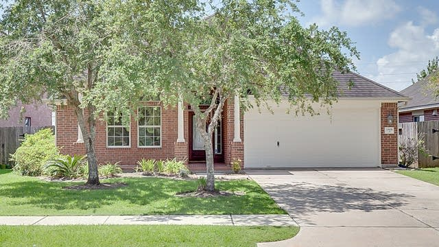 Photo 1 of 17 - 11806 White Water Bay Dr, Pearland, TX 77584