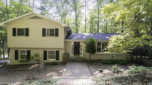Photo 1 of 21 - 2134 Meares Rd, Chapel Hill, NC 27514