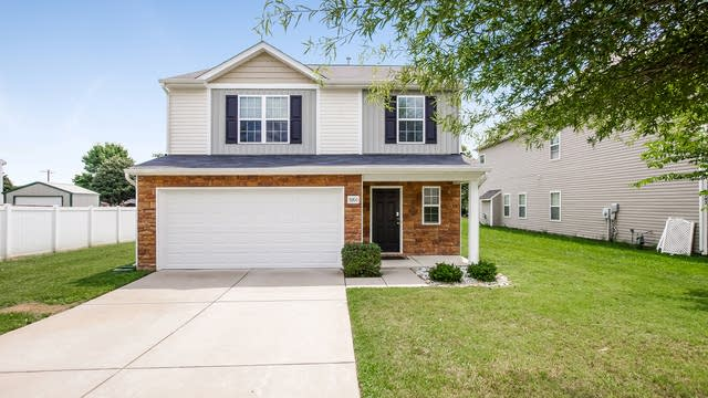 Photo 1 of 25 - 9206 Carrot Patch Dr, Charlotte, NC 28216