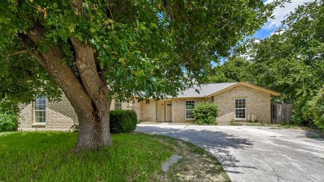 Photo 1 of 22 - 6603 Cypress Lake Dr, San Antonio, TX 78244