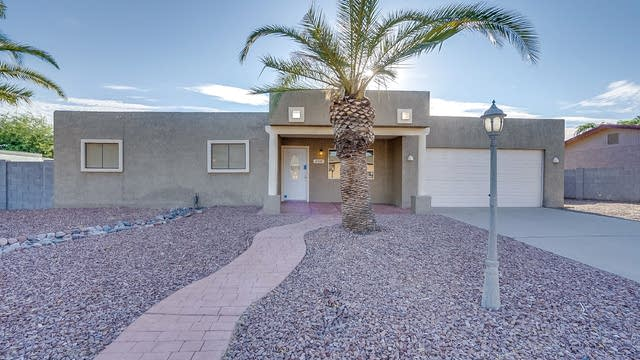 Photo 1 of 22 - 858 N 95th St, Mesa, AZ 85207