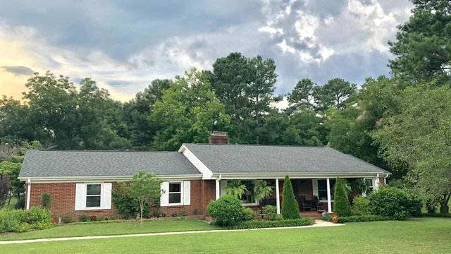 Photo 1 of 24 - 116 E Winston St, Youngsville, NC 27596