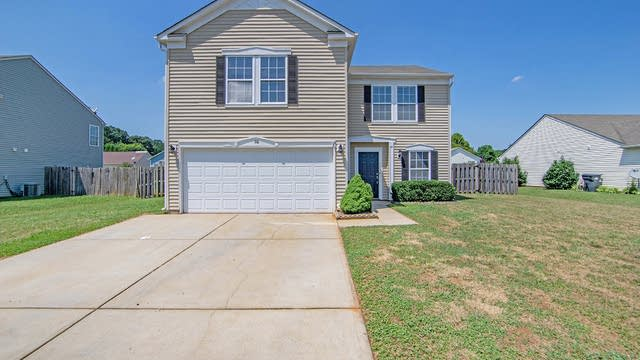 Photo 1 of 16 - 116 Boiling Brook Dr, Statesville, NC 28625