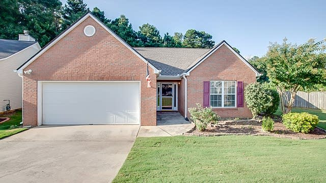 Photo 1 of 16 - 735 Jacoby Dr, Loganville, GA 30052