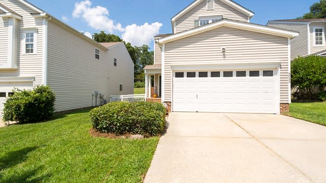 Photo 1 of 17 - 5033 Silabert Ave, Charlotte, NC 28205