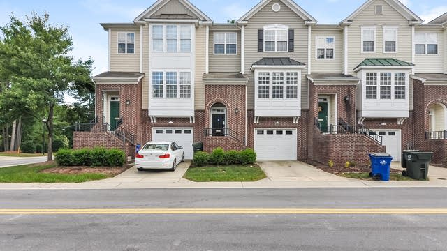 Photo 1 of 25 - 4505 Pale Moss Dr, Raleigh, NC 27606