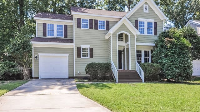 Photo 1 of 23 - 207 Mint Hill Dr, Cary, NC 27519