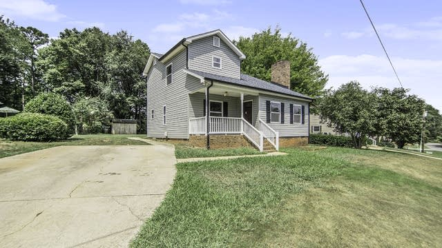 Photo 1 of 15 - 2701 Rawhide Dr, Belmont, NC 28012