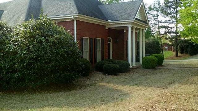 Photo 1 of 24 - 5000 Duncans Lake Dr, Buford, GA 30519