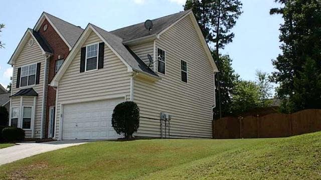Photo 1 of 25 - 3529 Cast Palm Dr, Buford, GA 30519