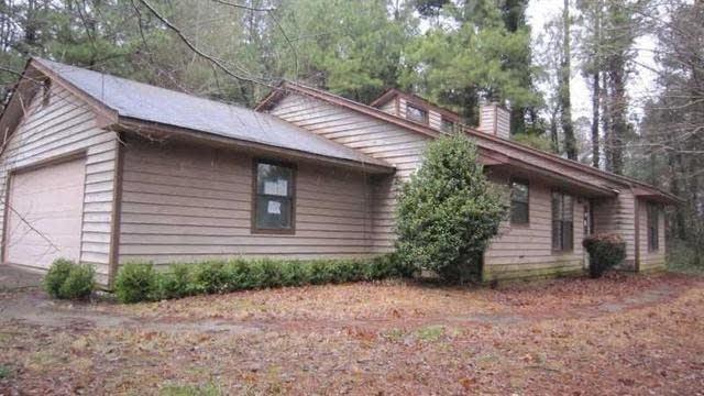 Photo 1 of 14 - 2710 Oak Log Way, Buford, GA 30519