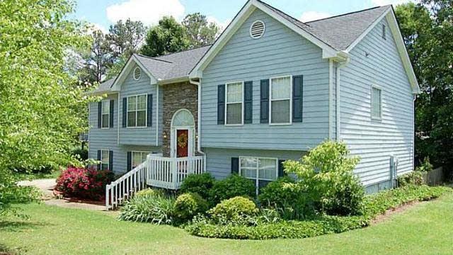 Photo 1 of 22 - 2610 Wyndham Park Dr, Buford, GA 30519