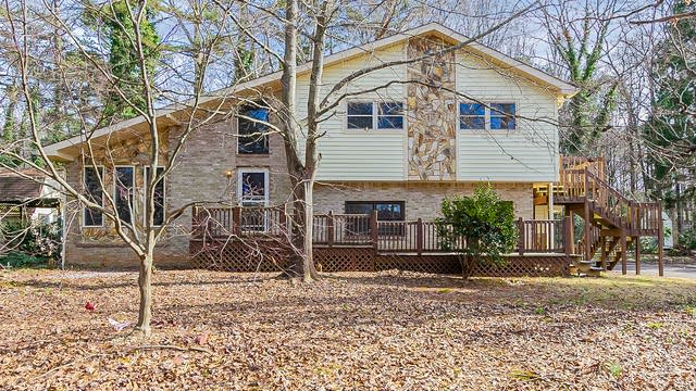 Photo 1 of 28 - 3324 Spreading Oak Dr, Douglasville, GA 30135