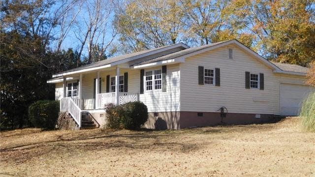 Photo 1 of 16 - 2787 Old Thompson Mill Rd, Buford, GA 30519
