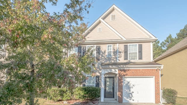 Photo 1 of 17 - 3736 Shenfield Dr, Union City, GA 30291