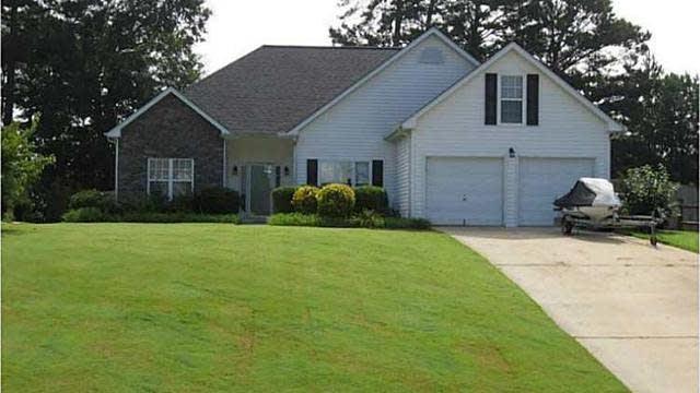 Photo 1 of 9 - 3630 Friendship Farm Dr, Buford, GA 30519