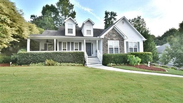 Photo 1 of 37 - 4471 Keenly Valley Dr, Buford, GA 30519