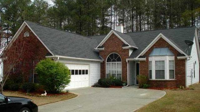 Photo 1 of 12 - 2049 Manor Oak Ln, Buford, GA 30519