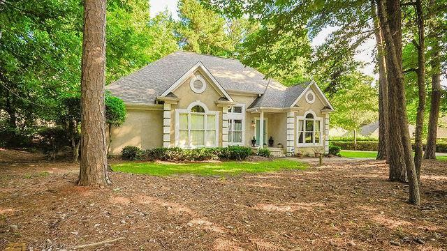 Photo 1 of 40 - 3067 Saint Andrews Ct, Jonesboro, GA 30236