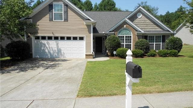Photo 1 of 40 - 2556 Creek Station Dr, Buford, GA 30519