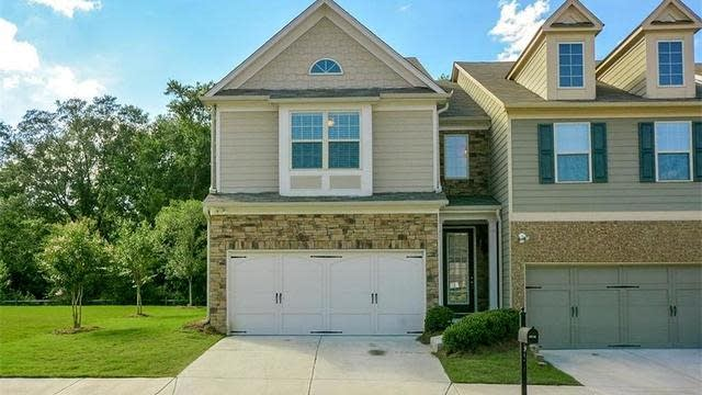 Photo 1 of 38 - 3510 Brockenhurst Dr, Buford, GA 30519