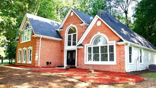 Photo 1 of 25 - 155 Amicalola Way, Jonesboro, GA 30236