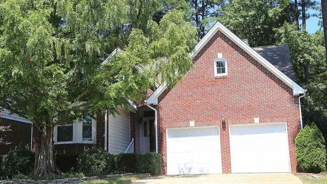 Photo 1 of 17 - 10100 Goodview Ct, Raleigh, NC 27613