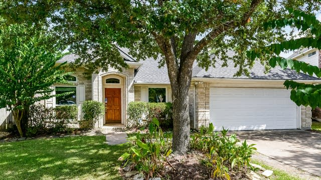 Photo 1 of 25 - 17554 Forest Vine Ct, Tomball, TX 77377