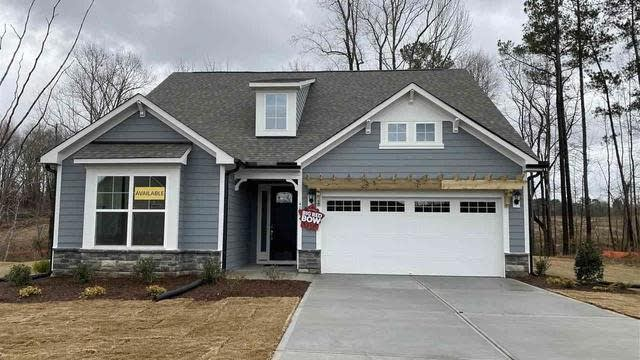 Photo 1 of 10 - 40 Stormy Bluff Ct, Youngsville, NC 27596