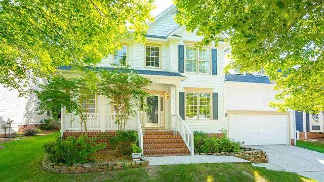 Photo 1 of 30 - 12220 Breton Ln, Raleigh, NC 27613