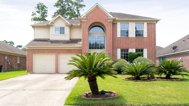 Photo 1 of 35 - 4106 Blue Forest Dr, Humble, TX 77346