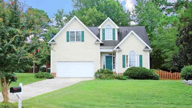 Photo 1 of 30 - 2609 Westmill Ct, Raleigh, NC 27613