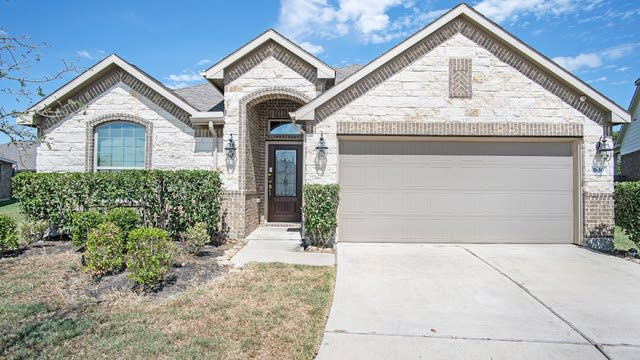 Photo 1 of 17 - 1830 Olive Pine Dr, Fresno, TX 77545