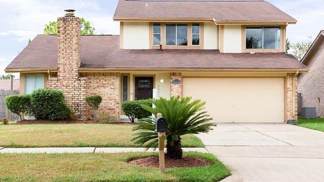 Photo 1 of 21 - 2422 Doverglen Dr, Missouri City, TX 77489