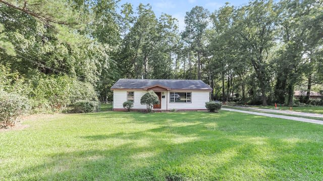 Photo 1 of 25 - 3041 Woods Pl, Raleigh, NC 27607