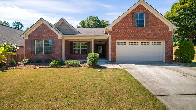 Photo 1 of 17 - 5750 Crest Hill Dr, Buford, GA 30518