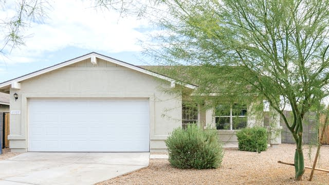 Photo 1 of 20 - 3305 S 126th Dr, Avondale, AZ 85323