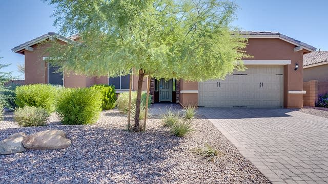Photo 1 of 21 - 2247 E Indian Wells Dr, Gilbert, AZ 85142