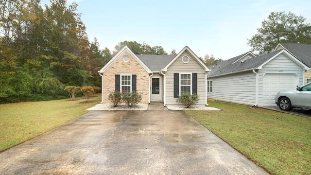 Photo 1 of 17 - 3701 Acorn Dr, Powder Springs, GA 30127