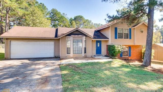 Photo 1 of 26 - 7646 Park Ln, Jonesboro, GA 30236