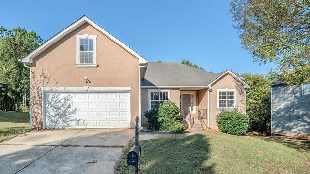 Photo 1 of 16 - 5710 Winchester Pl, Lithonia, GA 30038