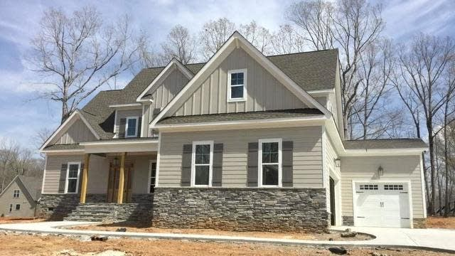 Photo 1 of 30 - 5 Seville Way, Youngsville, NC 27596