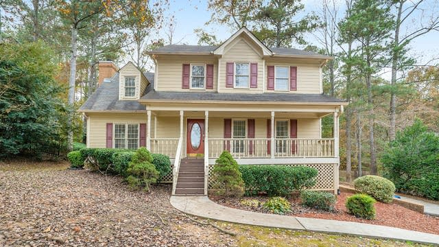 Photo 1 of 17 - 3813 Grahams Port Ln, Snellville, GA 30039