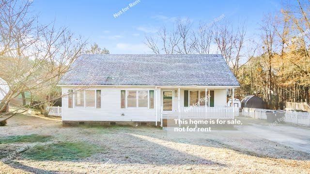 Photo 1 of 25 - 208 Redberry Dr, Wendell, NC 27591